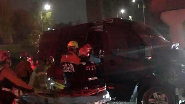 Nhóm nhạc nam Kpop bị tai nạn nghiêm trọng, quản lý qua đời-2