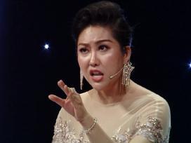 Sau phần thi ứng xử hoa hậu rườm rà kinh điển, Phi Thanh Vân lại 'điệu chảy nước' khi diễn thuyết nạn ấu dâm