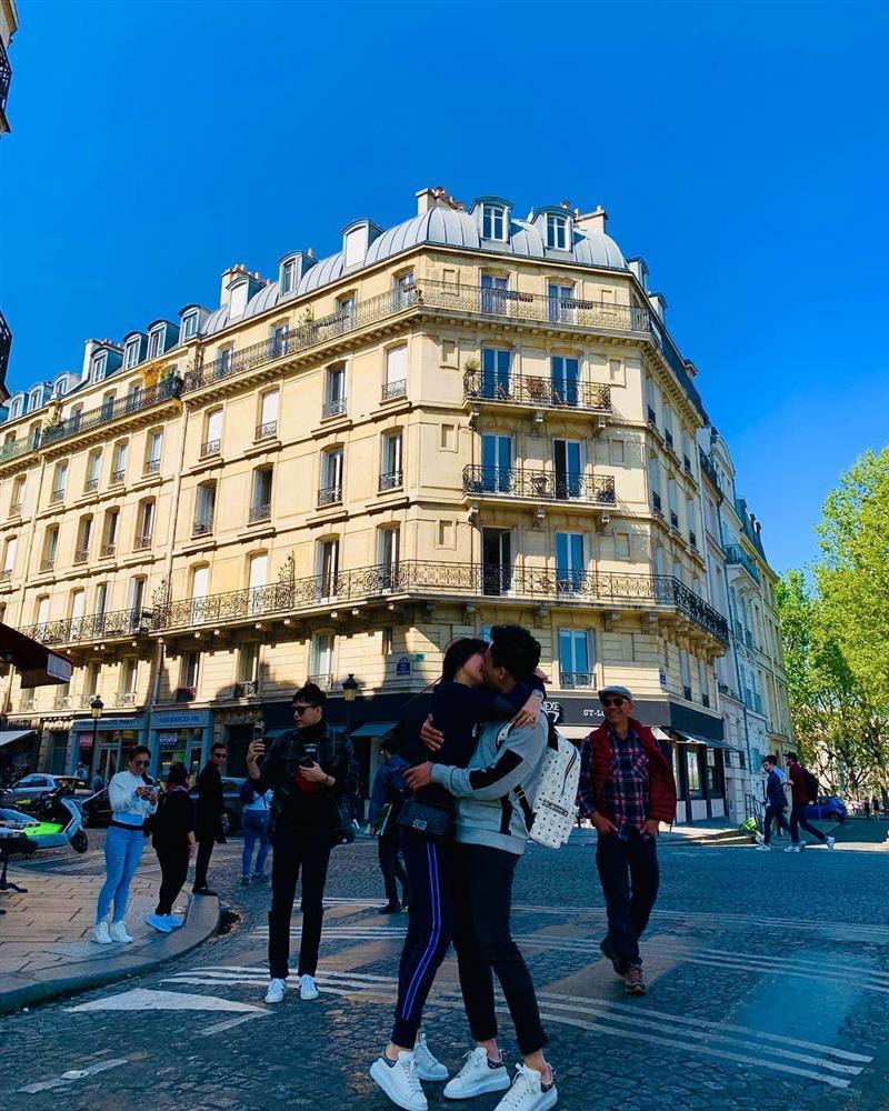 Trấn Thành - Hari Won biến mọi con phố nước Pháp thành thiên đường của những nụ hôn-3