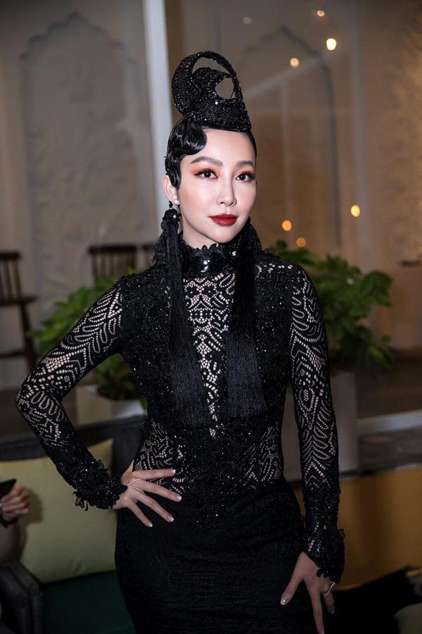 Hồ Ngọc Hà mặc quần đan dây phản cảm - HHen Niê diêm dúa lọt top SAO MẶC XẤU-6