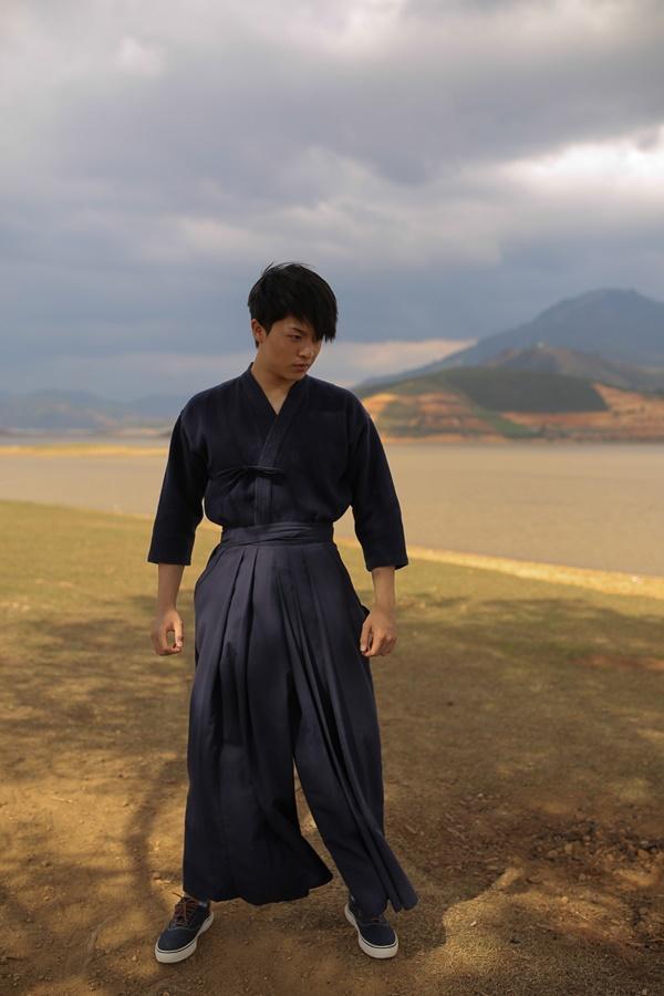 Quay lại với điện ảnh sau tai nạn phải thẩm mỹ, Harry Lu trở thành cao thủ kiếm đạo Nhật Bản-1