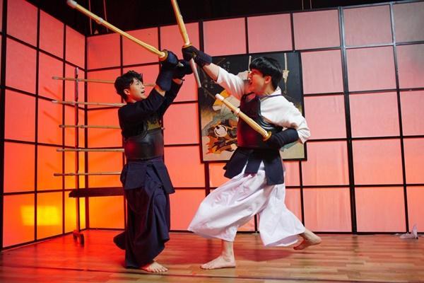 Quay lại với điện ảnh sau tai nạn phải thẩm mỹ, Harry Lu trở thành cao thủ kiếm đạo Nhật Bản-3