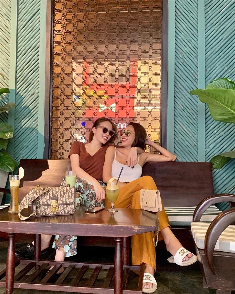 Kỳ Duyên đặt ảnh Minh Triệu làm hình nền điện thoại, cuộc tình hoa hậu - siêu mẫu đã không còn chỉ là lời đồn đoán?-11
