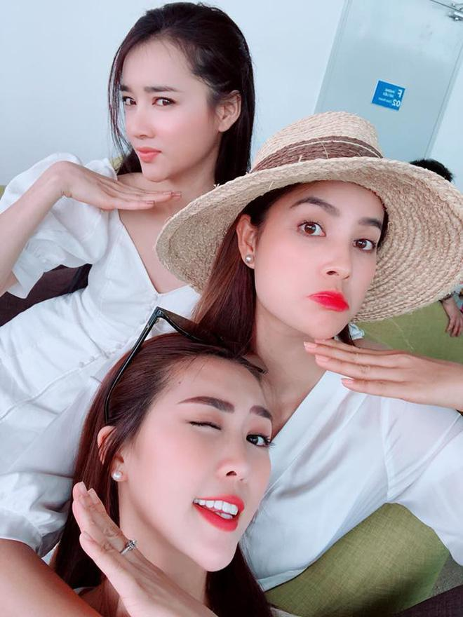 Liều mình đứng ngang dàn hoa hậu hot nhất showbiz Việt, nhan sắc của Nhã Phương xếp hạng thứ bao nhiêu?-5