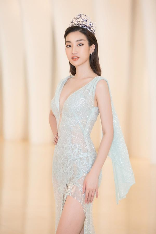 Trần Tiểu Vy - Đỗ Mỹ Linh đọ sắc bất phân thắng bại, bắt tay tìm kiếm mỹ nhân Việt thi Miss World 2019-1