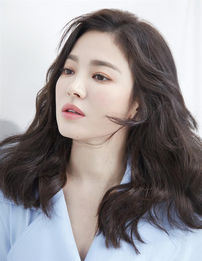 Hậu trường chụp ảnh xinh như nàng thơ đôi mươi của Song Hye Kyo-4