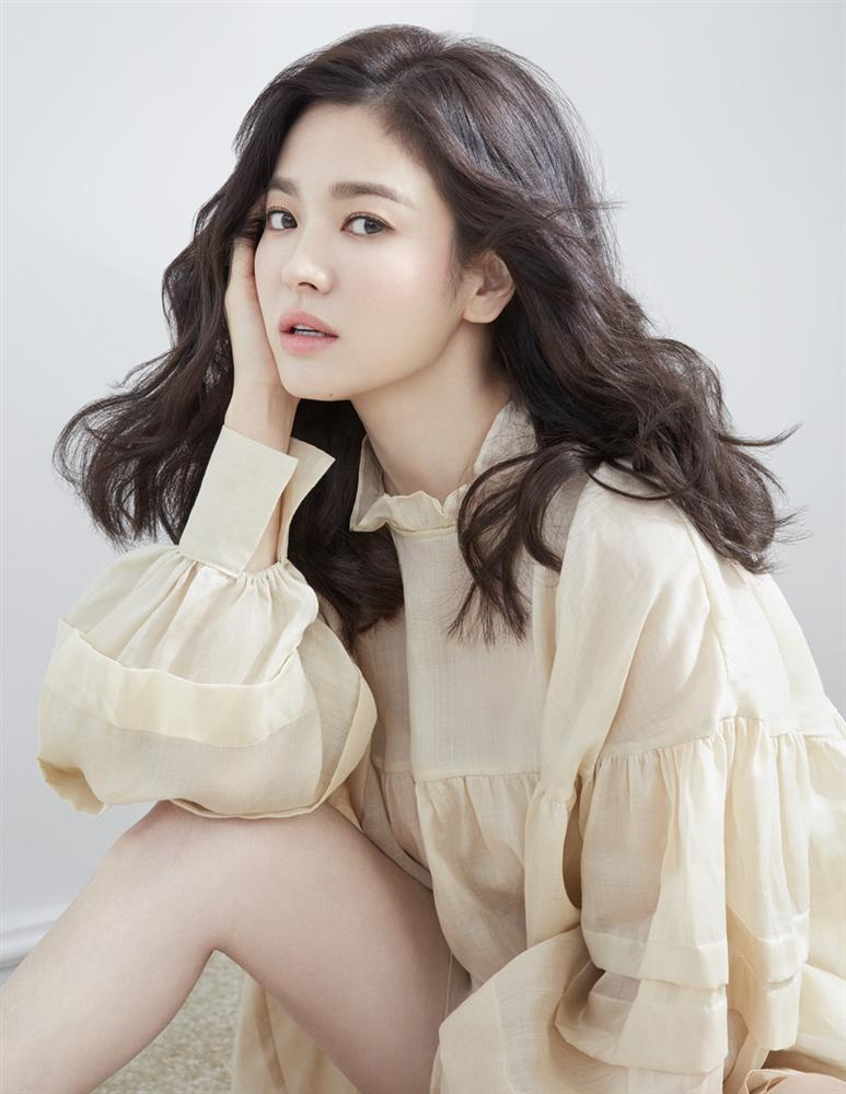 Hậu trường chụp ảnh xinh như nàng thơ đôi mươi của Song Hye Kyo-5