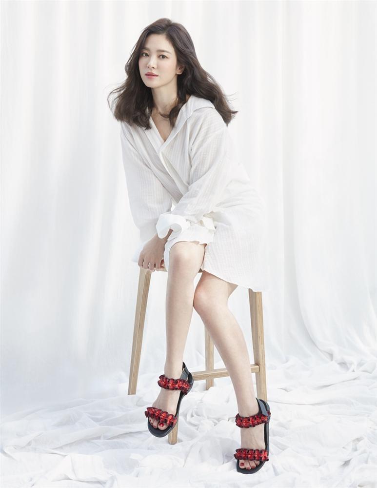 Hậu trường chụp ảnh xinh như nàng thơ đôi mươi của Song Hye Kyo-6