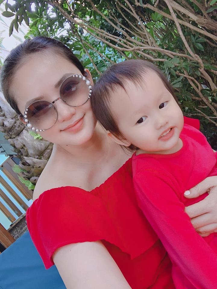 Trương Quỳnh Anh sẵn sàng ngồi dưới trời nắng chờ một người sau cuộc hôn nhân đổ vỡ-11