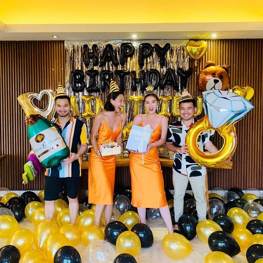CHẤT CHƠI như Kỳ Duyên: Vận chuyển một lô đồ đạc sang Indonesia làm tiệc mừng sinh nhật Minh Triệu-8
