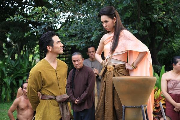 Ngược dòng thời gian để yêu anh: Phim Thái Lan dành cho ai mê tình yêu xuyên không-3