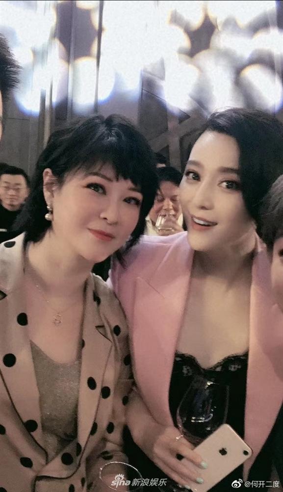 Chính thức trở lại showbiz sau scandal trốn thuế, Phạm Băng Băng khoe thời trang đẳng cấp và nhan sắc đỉnh cao-5