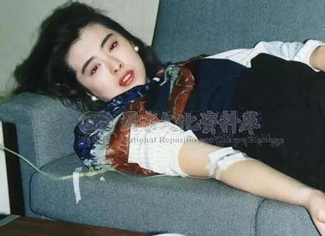 Tiên nữ màn ảnh Hong Kong được khen xinh đẹp ngay cả khi đau ốm-1
