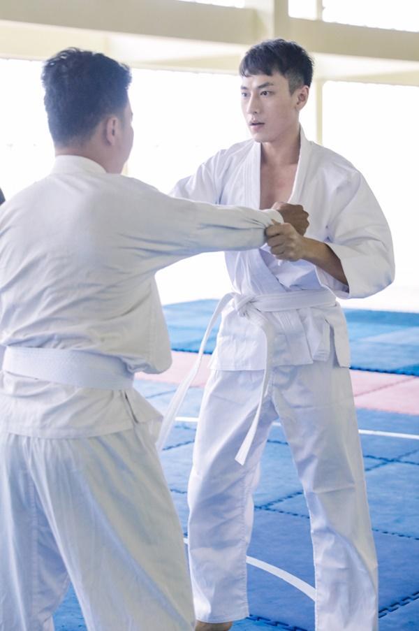 Isaac và Kiều Minh Tuấn trở thành hai anh em khắc khẩu trong phim mới-2