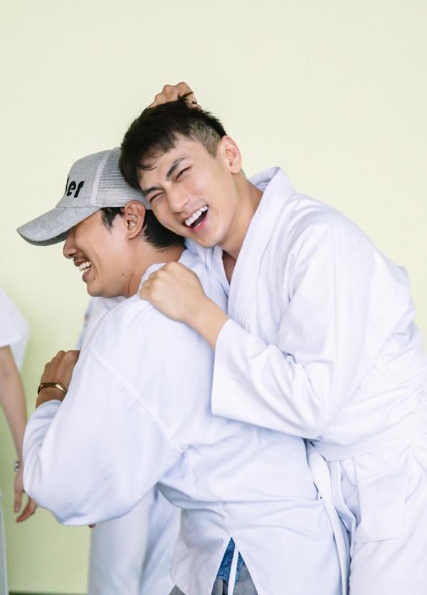 Isaac và Kiều Minh Tuấn trở thành hai anh em khắc khẩu trong phim mới-3