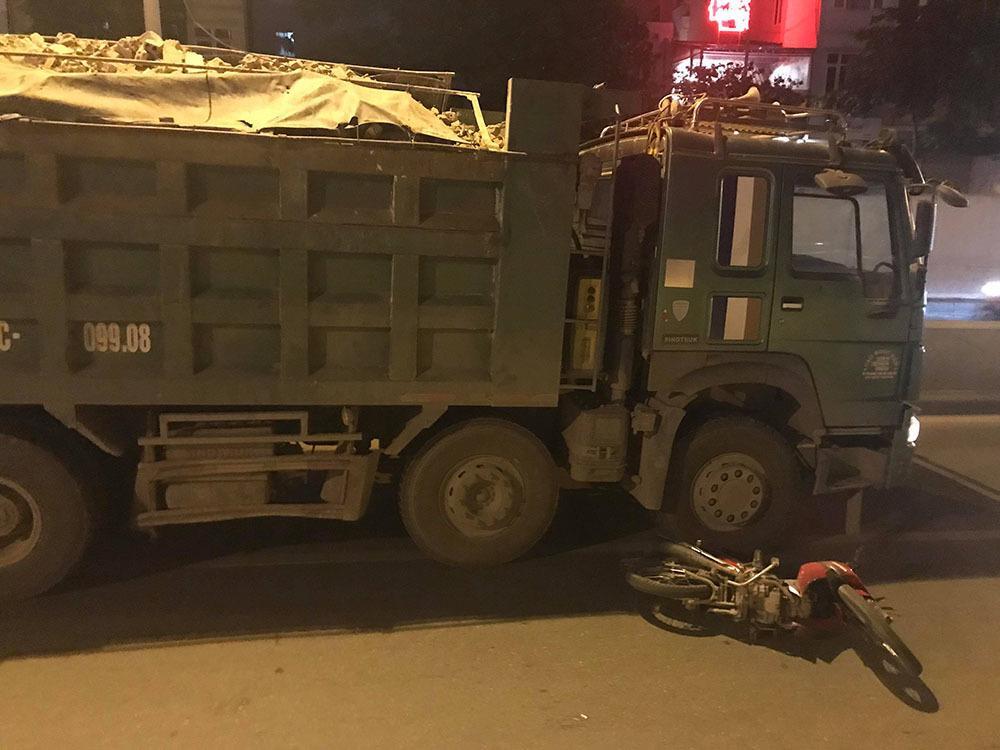 Đêm kinh hoàng tại Hà Nội: Tai nạn xảy ra khắp nơi, đếm sơ có tới hơn 10 vụ nghiêm trọng-5