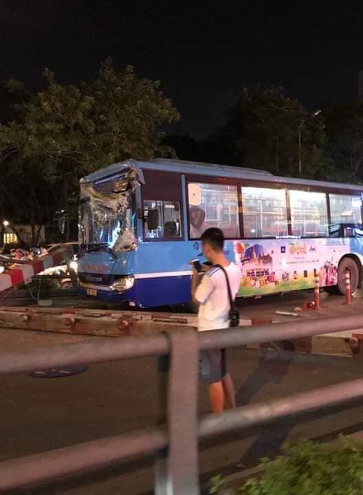 Đêm kinh hoàng tại Hà Nội: Tai nạn xảy ra khắp nơi, đếm sơ có tới hơn 10 vụ nghiêm trọng-8