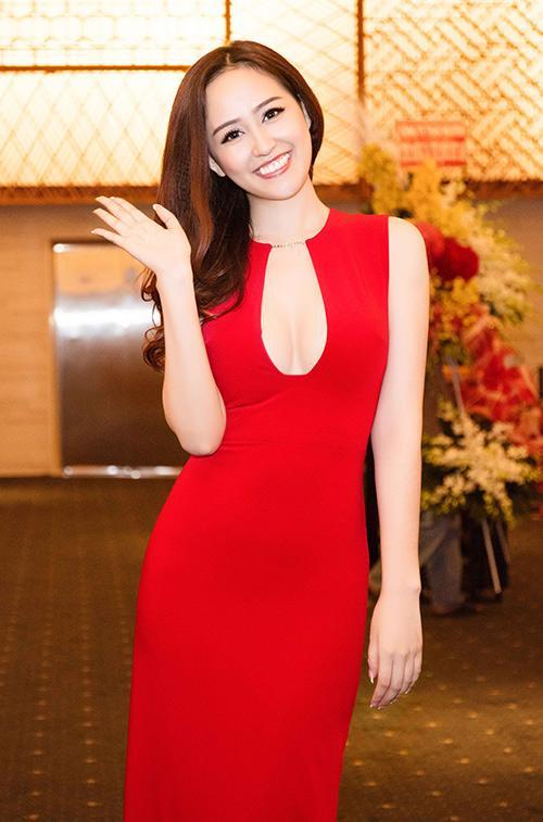 Diện đầm khoét ngực hiểm hóc, Hồng Quế nên học hỏi Hương Giang, Mai Phương Thúy để không tự dìm hàng mình-6