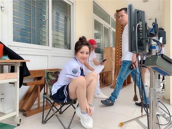 Hoàng Thùy Linh thay thế Trâm Anh đóng phim sitcom học đường-1