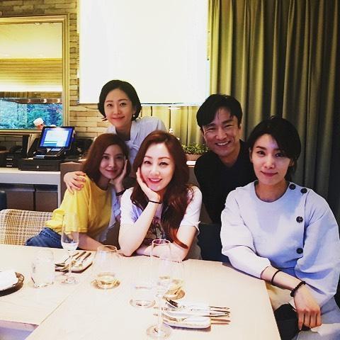 Lee Kwang Soo tiết lộ lý do thường xuyên cùng hội bạn thân quyền lực tụ tập tại nhà Jo In Sung-7