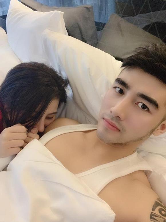 Sau nghi án bán dâm nghìn đô, Á hậu Thái Mỹ Linh khoe ảnh giường chiếu với trai lạ-1
