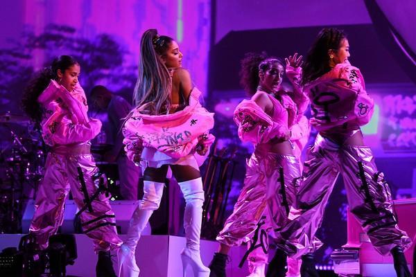 Khoảnh khắc hot nhất tháng 4: Ariana Grande hội ngộ BlackPink, chỉ có điều chưa thể trọn vẹn…-1