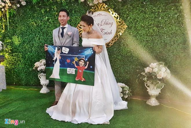 Đỗ Hùng Dũng điển trai trong đám cưới với bạn gái xinh đẹp-1