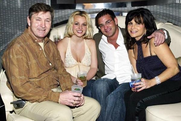 Nghi vấn Britney Spears bị kiểm soát bởi chính cha ruột-3