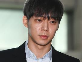 'Hoàng tử gác mái' Park Yoochun rút khỏi làng giải trí sau xác nhận dương tính với ma túy