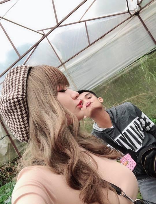 Bạn gái xinh đẹp của Mạc Văn Khoa khiến ai cũng xót xa khi công khai ngủ bất chấp mọi nơi với nam danh hài-3