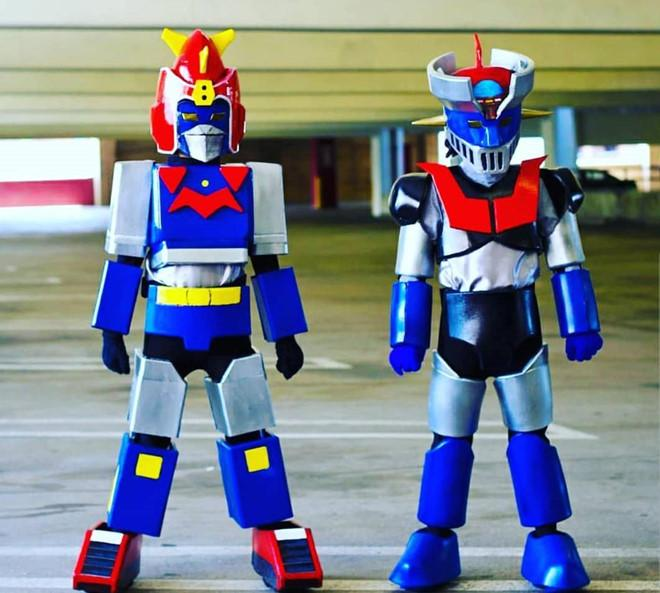 Cặp song sinh 11 tuổi nổi tiếng với khả năng cosplay y như thật-6