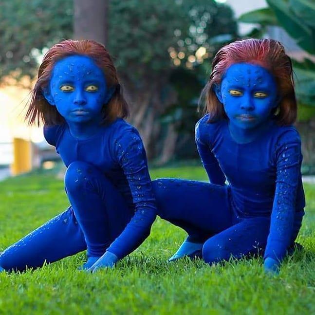 Cặp song sinh 11 tuổi nổi tiếng với khả năng cosplay y như thật-9