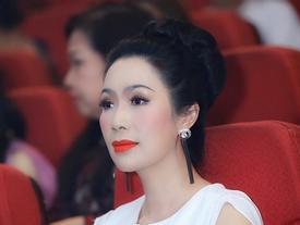 Á hậu Việt Nam Trịnh Kim Chi thừa nhận kinh doanh lỗ vốn và bị người khác chửi 'khùng'