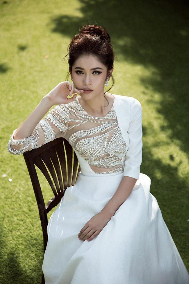Vừa hết nhiệm kỳ, các Hoa hậu, Á hậu Việt Nam rũ bỏ kín đáo, trở nên sexy mê hồn-1