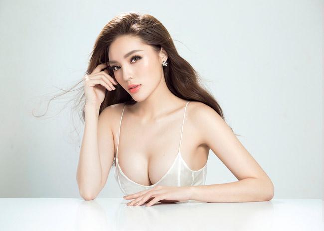 Vừa hết nhiệm kỳ, các Hoa hậu, Á hậu Việt Nam rũ bỏ kín đáo, trở nên sexy mê hồn-11