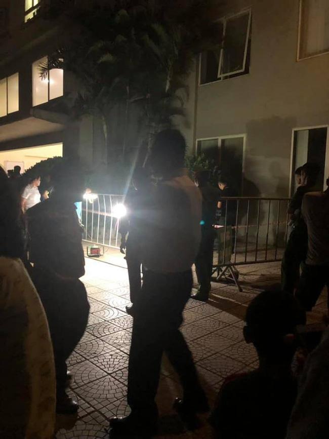 Hà Nội: Bố mẹ vắng nhà, bé gái 4 tuổi rơi từ tầng 12 chung cư xuống đất tử vong-2