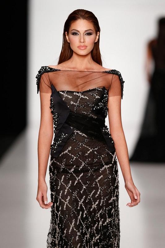 Đồi mồi phủ kín mặt - ngực - lưng nhưng cách Hoa hậu Hoàn vũ 2013 yêu thương bản thân khiến ai nấy đều ngưỡng mộ-13