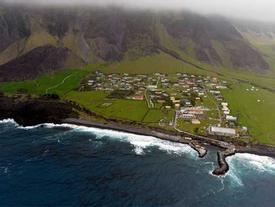 Hòn đảo có người ở 'cô độc' nhất quả đất