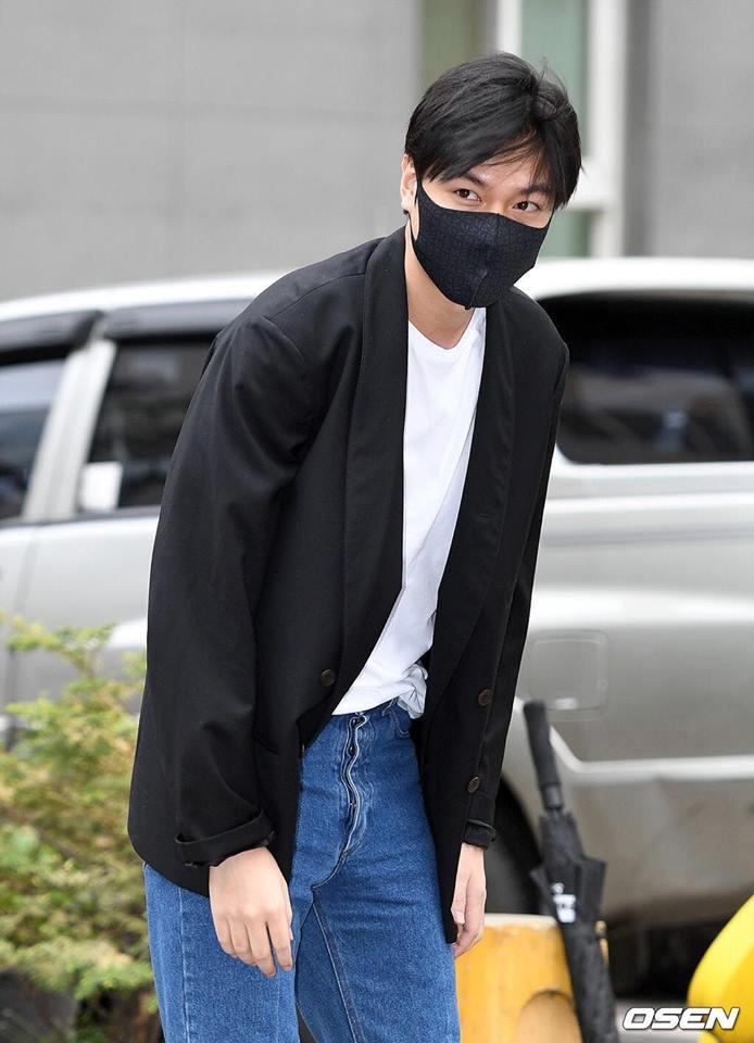 Kim Tan Lee Min Ho xuất ngũ, fan đứng chật kín hai bên đường mừng thần tượng comeback-8