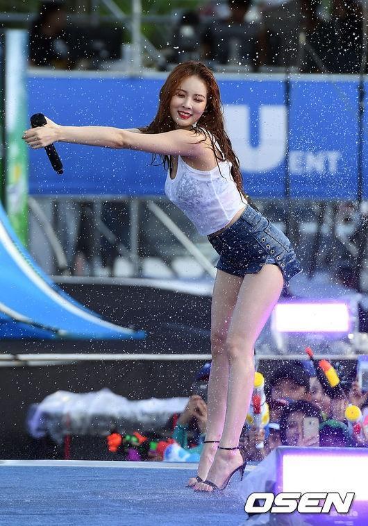 Quả bom sexy HyunA xác nhận tham gia WaterBomb 2019, hứa hẹn màn trở lại nóng bỏng hơn bao giờ hết-4
