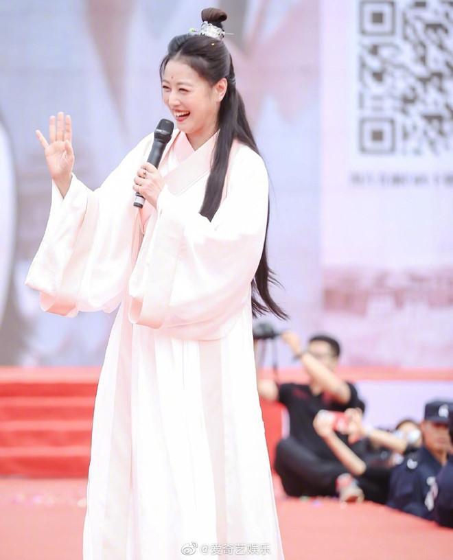 Sau 25 năm, mỹ nhân TVB lại hóa thân thành Chu Chỉ Nhược ở tuổi 53-3