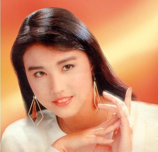 Sau 25 năm, mỹ nhân TVB lại hóa thân thành Chu Chỉ Nhược ở tuổi 53-8