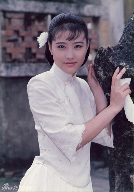 Sau 25 năm, mỹ nhân TVB lại hóa thân thành Chu Chỉ Nhược ở tuổi 53-9