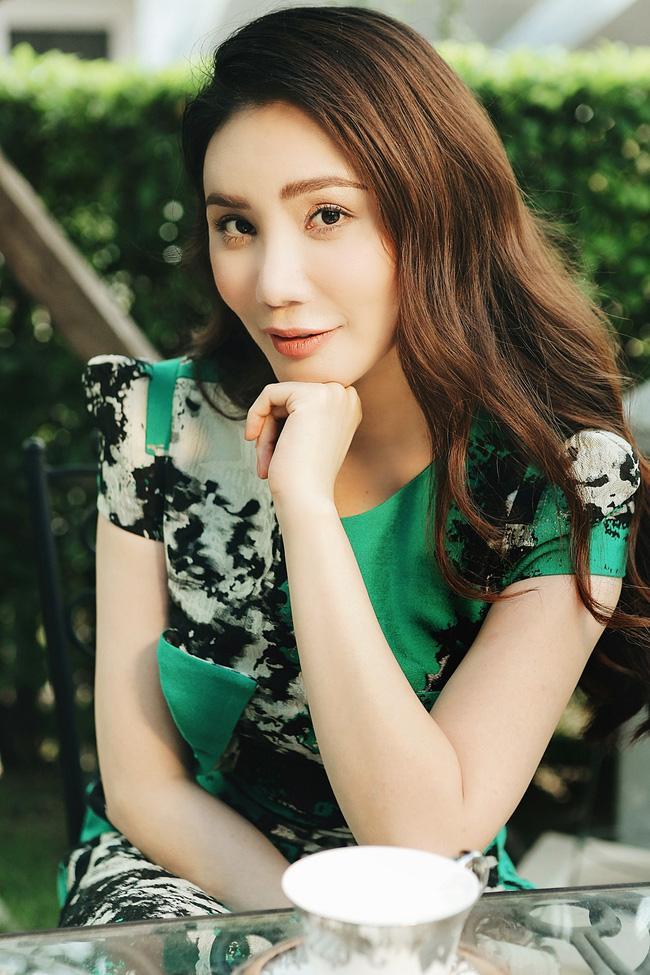 Bác tin đại phẫu dao kéo, Hồ Quỳnh Hương cho biết thủ phạm khiến gương mặt phù nề đáng sợ năm xưa chính là kem trộn-6