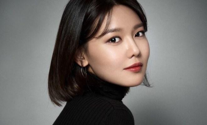 Song Hye Kyo để mặt mộc và bịt khẩu trang nhưng vẫn đẹp hút hồn tại sân bay-9
