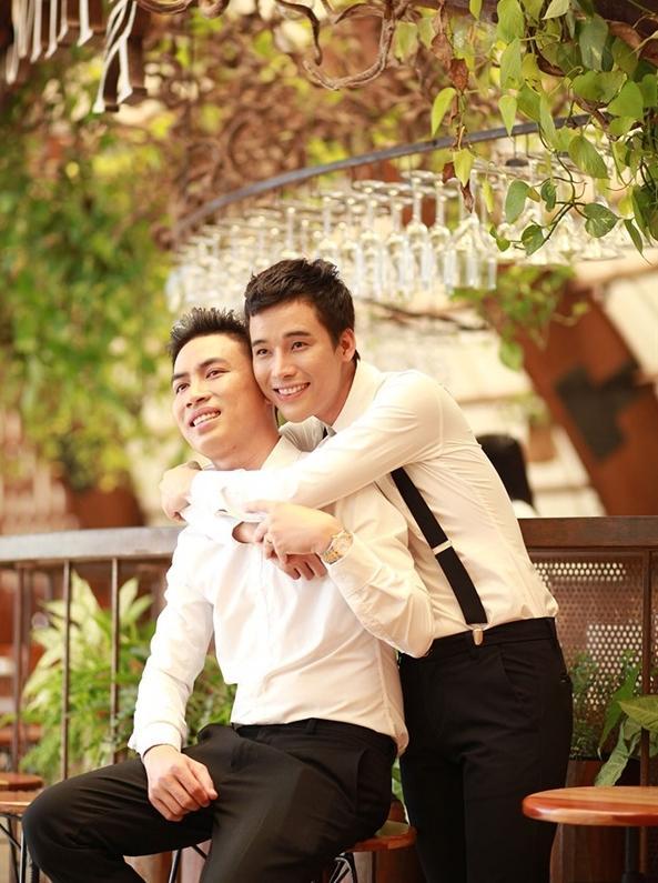 Đám cưới vượt khoảng cách giới tính của cặp trai đẹp ở Kiên Giang đang sốt rần rần cộng đồng LGBT-4