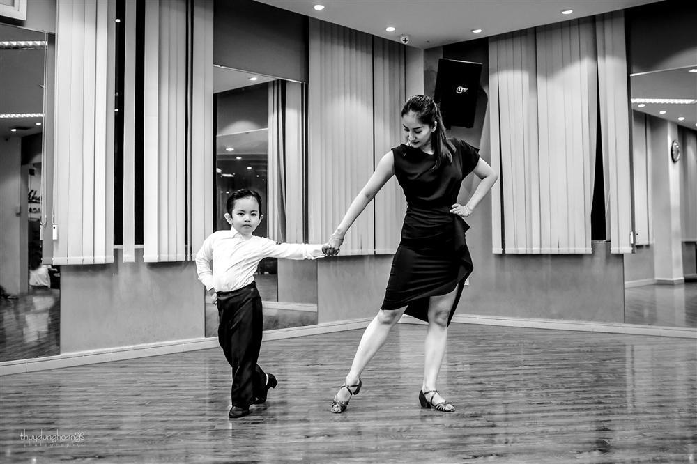 Lên đồ vũ công cực chất, con trai Khánh Thi khiến dân mạng trầm trồ: Kiện tướng tương lai là đây chứ đâu-5