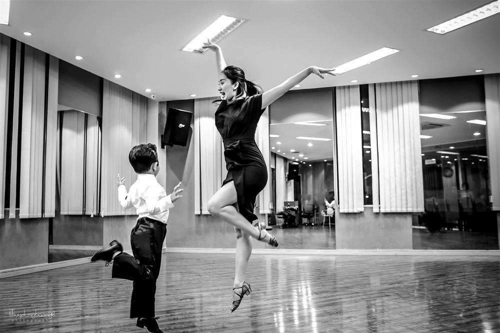 Lên đồ vũ công cực chất, con trai Khánh Thi khiến dân mạng trầm trồ: Kiện tướng tương lai là đây chứ đâu-6