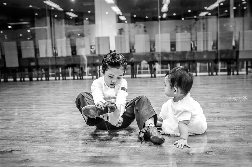 Lên đồ vũ công cực chất, con trai Khánh Thi khiến dân mạng trầm trồ: Kiện tướng tương lai là đây chứ đâu-12