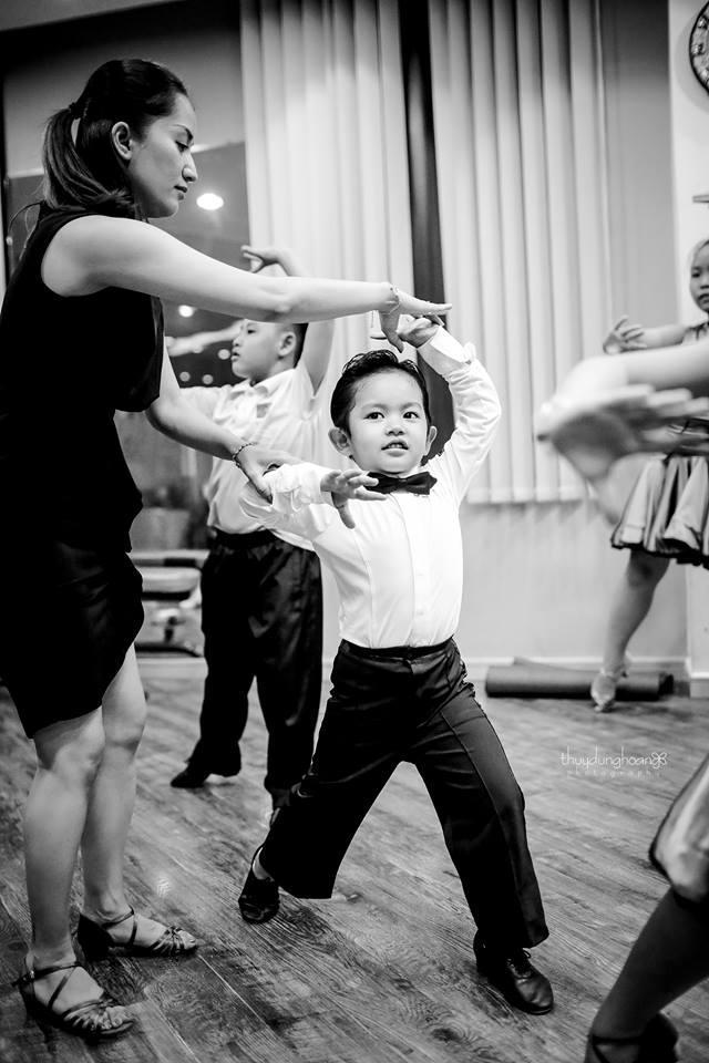 Lên đồ vũ công cực chất, con trai Khánh Thi khiến dân mạng trầm trồ: Kiện tướng tương lai là đây chứ đâu-2
